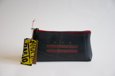 Recycled tire cosmetic bag, Colombia