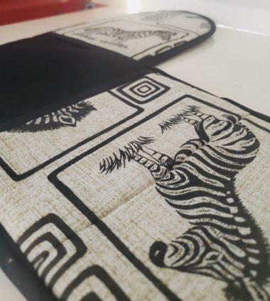 zebra oven mitt2